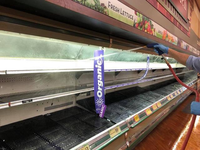 Vô duyên vô cớ, siêu thị phải đổ bỏ hàng tấn thực phẩm sạch trị giá gần 1 tỷ đồng vì hành động thiếu ý thức của một người phụ nữ - Ảnh 6.