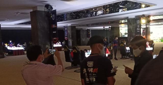 Giải đấu PUBG Mobile bị tạm dừng khẩn cấp vì tổ chức ngay giữa lệnh cấm - Ảnh 1.
