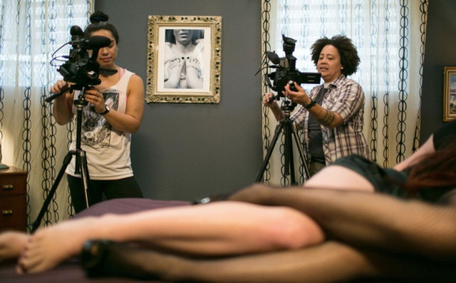 Ngành công nghiệp phim khiêu dâm Nhật chao đảo vì phần mềm AI biến phim có che thành không che - Ảnh 1.