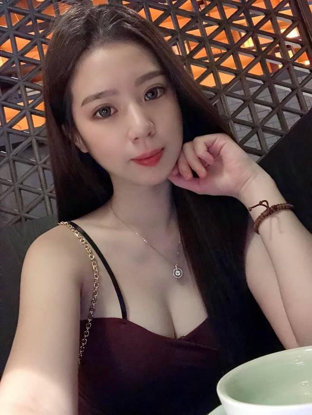 Bị chụp lén cảnh bán gà rán trong chợ, cô nàng được cộng đồng mạng phong hot girl chỉ sau một bài post - Ảnh 7.