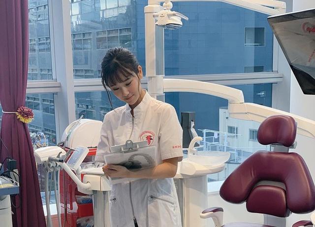Manaka Nishihara - cô nàng nha sĩ nỗ lực trở thành mẫu nội y, suýt bị lầm tưởng là diễn viên đóng phim nóng - Ảnh 1.