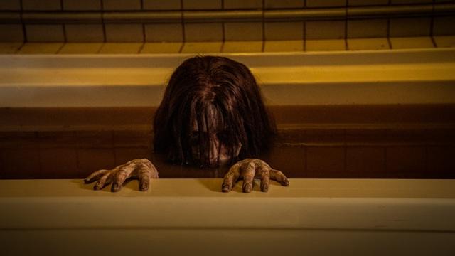 Phim kinh dị 2020: Xu thế dọa ma là trong phòng tắm! - Ảnh 2.