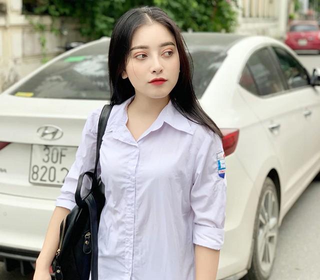 Cộng đồng mạng xôn xao, tìm ra nữ sinh 2K xinh đẹp, thần thái và gương mặt chưa khác gì Địch Lệ Nhiệt Ba - Ảnh 5.