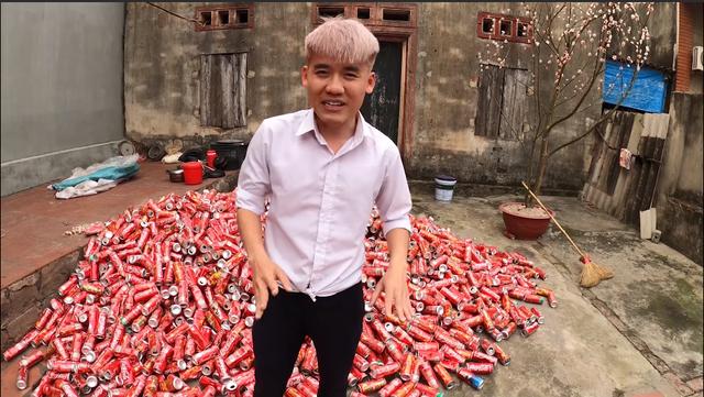 Con trai Bà Tân Vlog sống thử trong ngôi nhà Coca, đáp trả chỉ trích gây lãng phí, ô nhiễm - Ảnh 1.