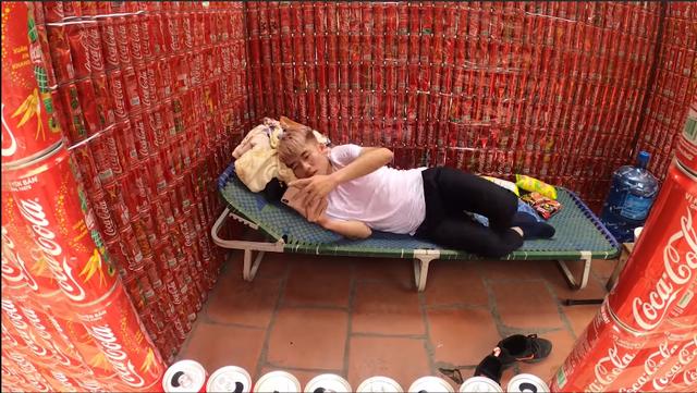 Con trai Bà Tân Vlog sống thử trong ngôi nhà Coca, đáp trả chỉ trích gây lãng phí, ô nhiễm - Ảnh 5.