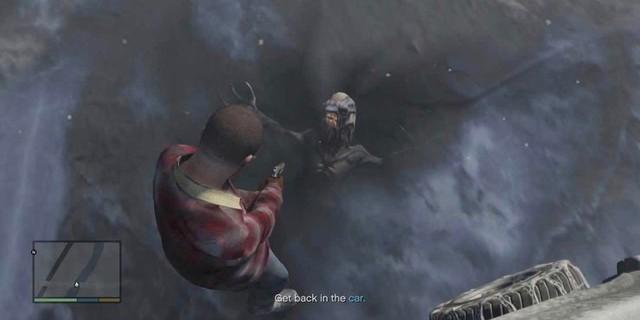 Những câu chuyện rợn người và những bí ẩn kinh dị được giấu diếm trong GTA 5 khiến game thủ lạnh người Grand-theft-auto-alien-15836804007601360880679