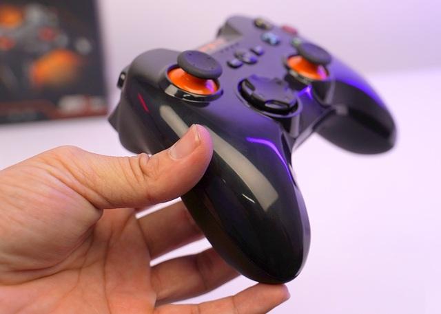 Chơi FIFA, Call of Duty: Warzone... bằng tay cầm gaming với giá chưa đầy 500 nghìn đồng - Ảnh 11.