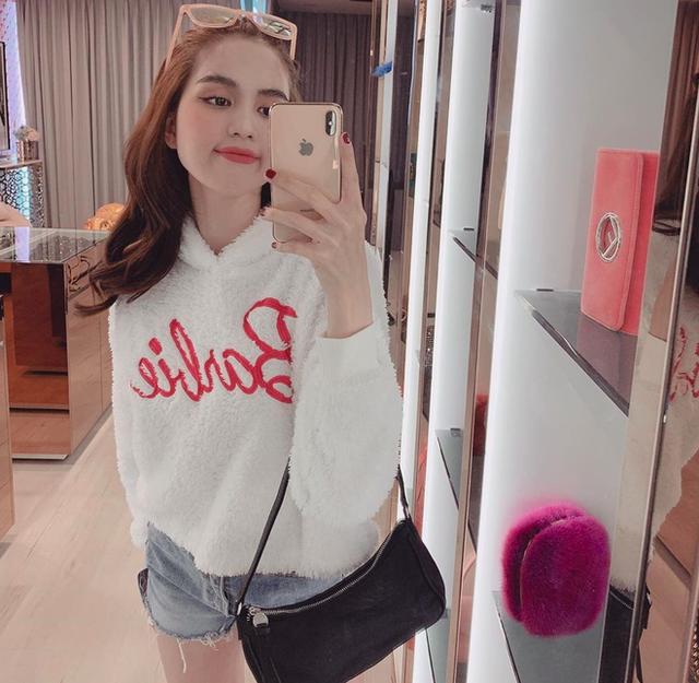 Ngọc Trinh trở thành nghệ sĩ thứ 3 của Vbiz cán mốc 4 triệu follower Instagram, hứa tặng quà đặc biệt cho fan ăn mừng - Ảnh 8.