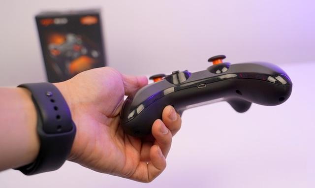 Chơi FIFA, Call of Duty: Warzone... bằng tay cầm gaming với giá chưa đầy 500 nghìn đồng - Ảnh 8.