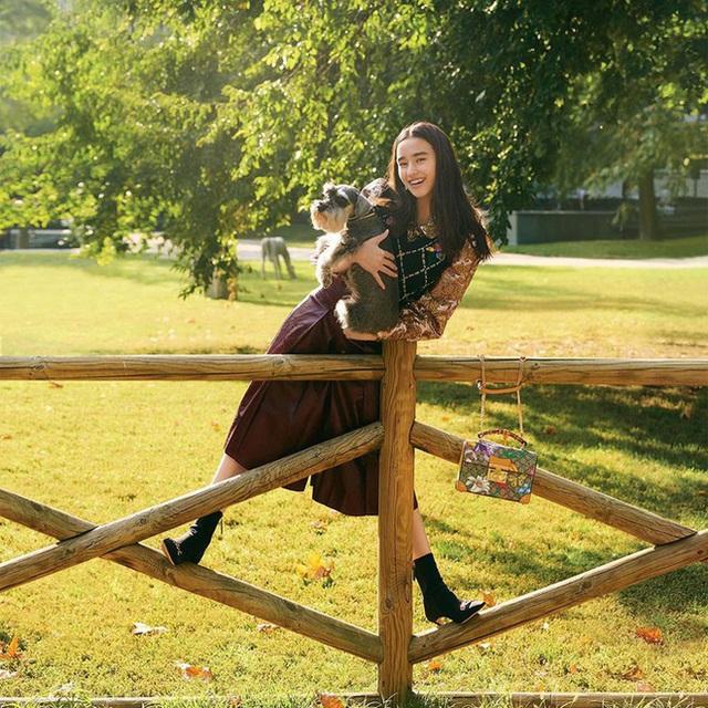 Mỹ nhân lai 16 tuổi phim Chân Tử Đan: Xinh đẹp hút hồn, bị đánh bầm dập trên phim trường - Ảnh 14.