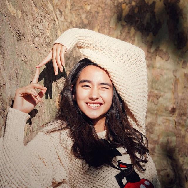 Mỹ nhân lai 16 tuổi phim Chân Tử Đan: Xinh đẹp hút hồn, bị đánh bầm dập trên phim trường - Ảnh 4.