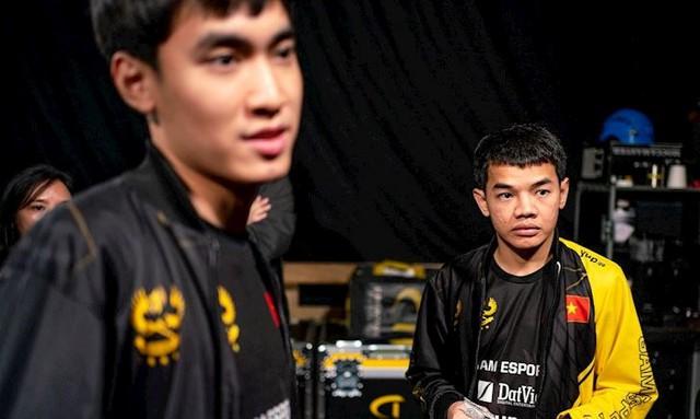 GAM thua đau đớn, HLV Tinikun chia sẻ việc bị lỗ cả tỷ đồng vì lỡ in áo GAM Champion và pad chuột nhưng không thể bán - Ảnh 3.