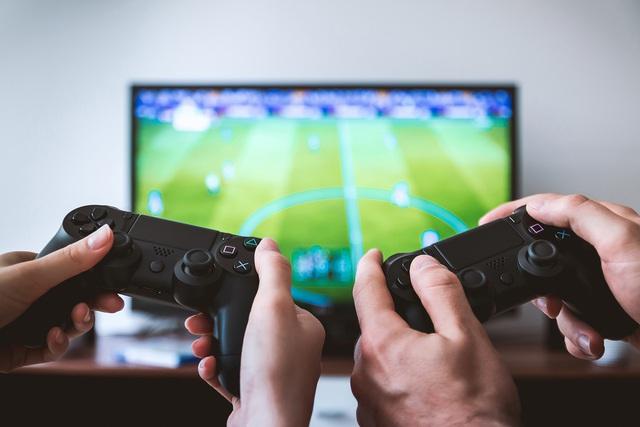 Tổ chức Y tế Thế giới kêu gọi mọi người ở nhà chơi game - Ảnh 1.