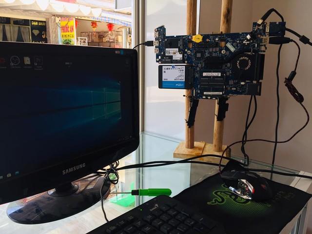 Rảnh rỗi ở nhà, game thủ Việt phá bung laptop rồi dựng thành một case PC mới - Ảnh 8.