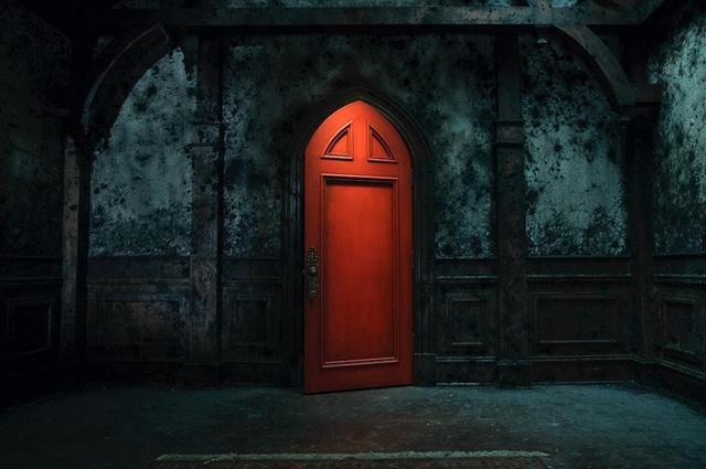 Loạt phim kinh dị hấp dẫn trên Netflix: Annabelle hay IT vẫn nhẹ nhàng chán, đây mới là ám ảnh kinh hoàng! - Ảnh 9.