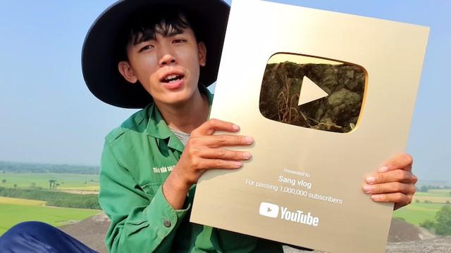 Youtuber nghèo nhất Việt Nam bị cơ quan chức năng triệu tập, có khả năng mất nghiệp Youtube - Ảnh 2.