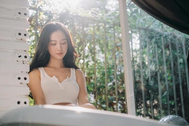 Tung ảnh chụp thân hình nuột nà kèm vẻ đẹp tinh khôi, hot girl Việt khiến dân mạng ngất ngây - Ảnh 8.