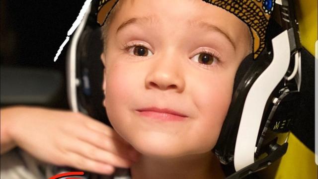 Xuất hiện Shroud phiên bản nhí, thần đồng Call of Duty: Warzone 5 tuổi: Thao tác nhoay nhoáy, cứ bật ngắm là headshot - Ảnh 3.