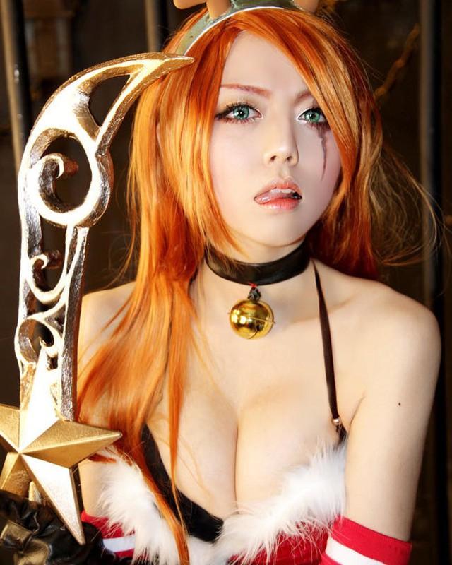 Quên luôn bản gốc với những màn hóa thân thành cô nàng Hồ ly Ahri nóng từng centimet của nữ cosplayer xứ kim chi - Ảnh 12.