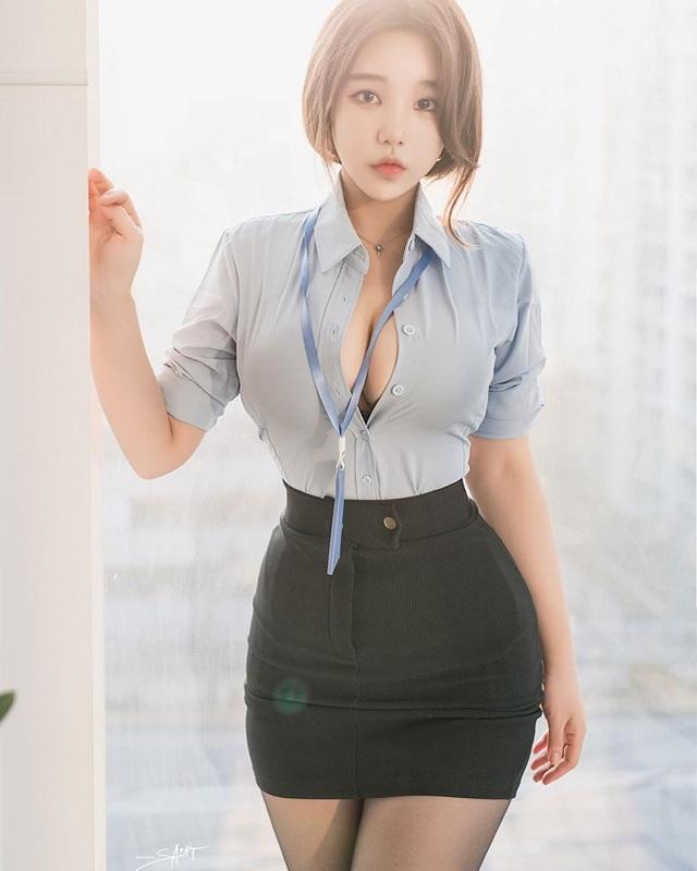 Dù chiều cao khiêm tốn, cô nhân viên văn phòng vẫn gây sốt MXH nhờ hình thể chuẩn búp bê - Ảnh 2.