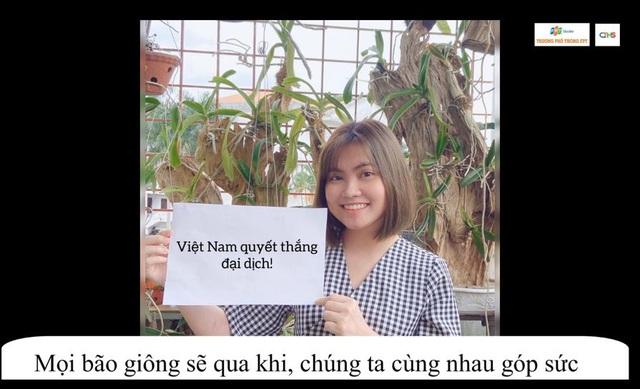 Chế bản hit Đúng người đúng thời điểm để cổ vũ Việt Nam vượt qua dịch bệnh, chàng trai lớp 11 khiến cộng đồng mạng thán phục - Ảnh 2.