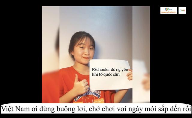 Chế bản hit Đúng người đúng thời điểm để cổ vũ Việt Nam vượt qua dịch bệnh, chàng trai lớp 11 khiến cộng đồng mạng thán phục - Ảnh 3.