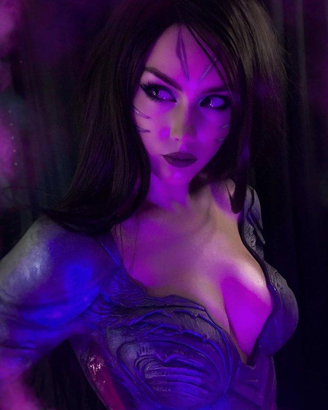 Nóng con mắt bên trái, nhức con mắt bên phải với siêu phẩm cosplay KaiSa của mỹ nhân xứ Bạch dương - Ảnh 5.
