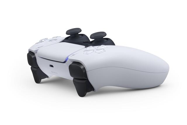 [Chính thức] PS5 lộ diện tay cầm mới mang nhiều hơi hướng của Xbox - Ảnh 2.