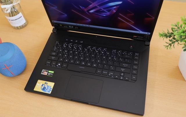 """ASUS ROG Zephyrus G15: Laptop gaming của """"phe đỏ"""" AMD cực mạnh mà giá rất hợp lý - Ảnh 4."""