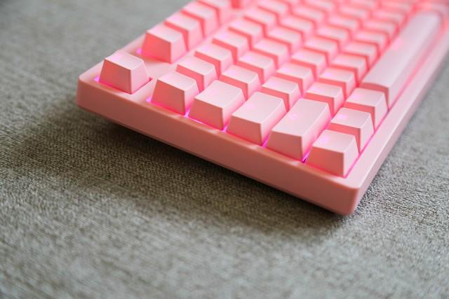 Trên tay AKKO 3018S RGB Pro: Full hồng độc đáo, gõ ngon, đèn nháy xập xình theo nhạc - Ảnh 3.