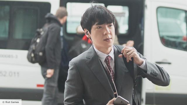 Dân mạng Trung Quốc xôn xao: kkOma hưởng lương cao gấp 5 lần các HLV khác, là ngôi sao số 1 của Vici Gaming - Ảnh 3.
