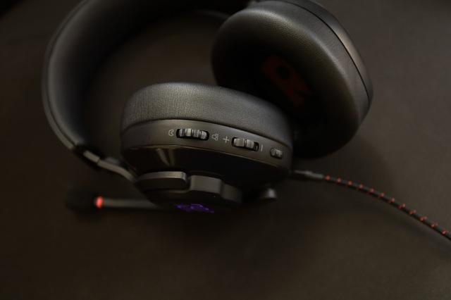 JBL Quantum 400 - Tai nghe gaming tuyệt hảo đến từ ông lớn làng âm thanh - Ảnh 9.