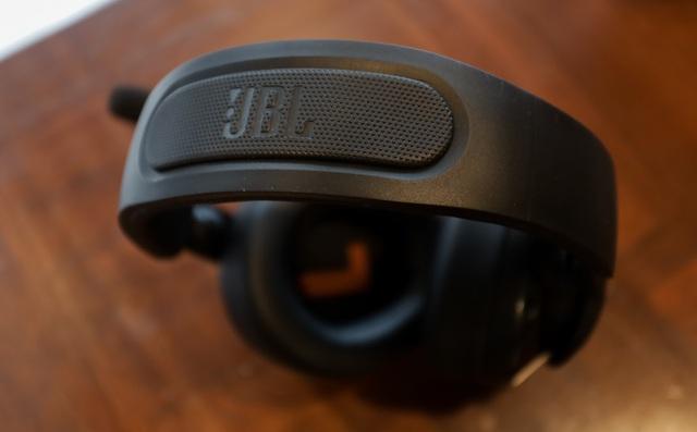 JBL Quantum 400 - Tai nghe gaming tuyệt hảo đến từ ông lớn làng âm thanh - Ảnh 4.