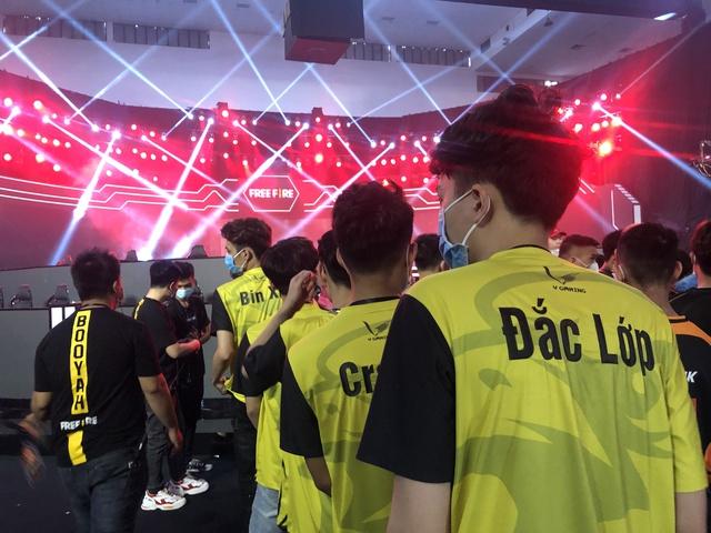 Hé lộ toàn cảnh hoành tráng trước thềm trận Chung kết Free Fire Việt Nam - Đấu Trường Sinh Tồn Mùa Xuân 2020 - Ảnh 7.