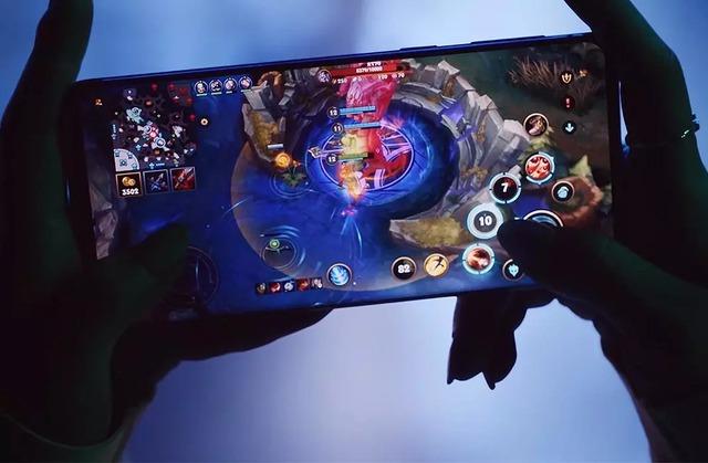 """Top smartphone cấu hình khủng không ngán """"con game"""" nào, chấp tất cả bom tấn nặng nhất - Ảnh 1."""