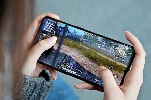 """Top smartphone cấu hình khủng không ngán """"con game"""" nào, chấp tất cả bom tấn nặng nhất - Ảnh 5."""