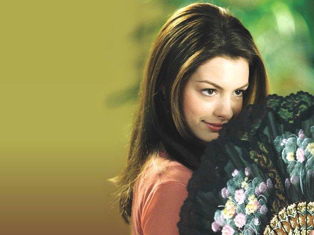 """Yêu nữ hàng hiệu Anne Hathaway: Mỹ nhân quyến rũ nổi danh nước Mỹ với """"list"""" bạn trai dài không đếm xuể nhưng lại gục ngã trước tên lừa đảo và cái kết không ai ngờ - Ảnh 3."""