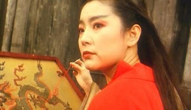 """Nữ diễn viên Đông phương bất bại: Từ mỹ nhân vạn người mê tới danh xưng """"hồ ly tinh giật chồng"""" - Ảnh 2."""