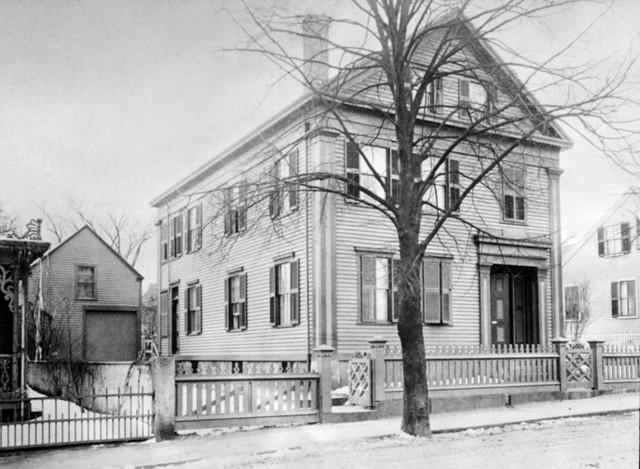Chuyện rùng rợn: Vụ án Lizzie Borden và căn nhà ma bí ẩn - Ảnh 4.