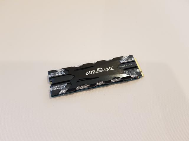 Đánh giá Addgame X70: SSD hàng hiếm với tốc độ cao, thiết kế ngầu, lại còn trang bị led RBG - Ảnh 2.