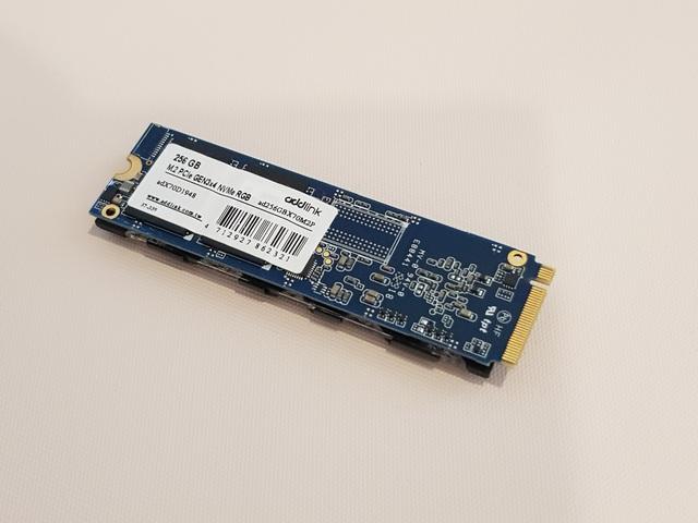 Đánh giá Addgame X70: SSD hàng hiếm với tốc độ cao, thiết kế ngầu, lại còn trang bị led RBG - Ảnh 3.