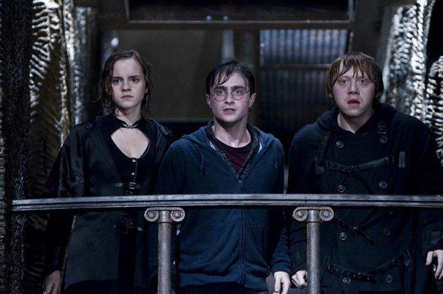 Hóa tù nhân vượt ngục trong Phi Vụ Đào Tẩu, Daniel Radciffe không còn là Harry Potter mà bạn biết - Ảnh 3.