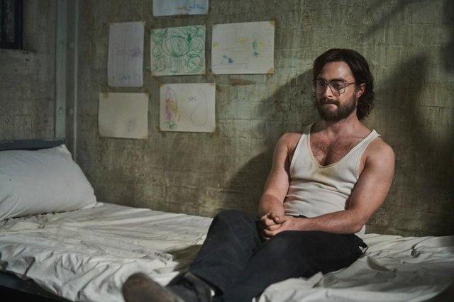 Hóa tù nhân vượt ngục trong Phi Vụ Đào Tẩu, Daniel Radciffe không còn là Harry Potter mà bạn biết - Ảnh 7.
