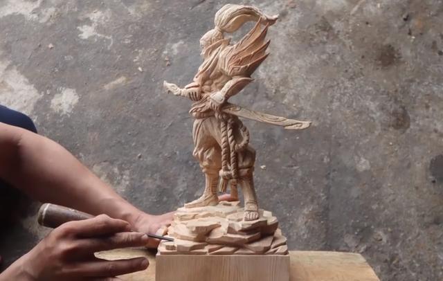 Chiêm ngưỡng tuyệt tác của nghệ nhân điêu khắc Việt Nam đam mê LMHT - Yasuo Gỗ đoàn là có thât! - Ảnh 9.