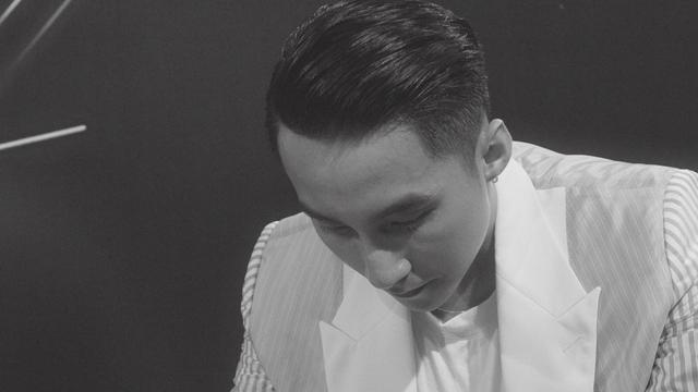 Sơn Tùng M-TP lại làm điều đầu tiên ở Việt Nam: Phát hành phim tài liệu ca nhạc về tour diễn của mình lên màn ảnh rộng - Ảnh 4.