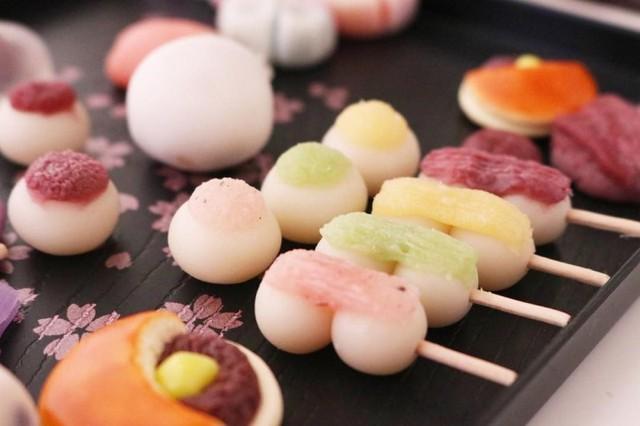 Ẩm thực kinh dị cùng người Nhật: Bánh 'mổ bụng tạ lỗi' - Ảnh 4.