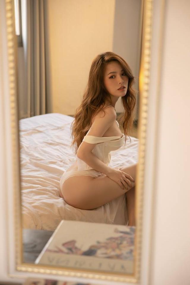 Thánh nữ Mì Gõ khoe thân hình nuột nà khi mặc nội y mỏng dính khiến fan trầm trồ - Ảnh 5.