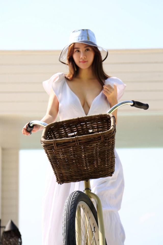 Ngắm vẻ đẹp mặn mà của cô đào từng được Trùm Playboy Hong Kong hết mực ưu ái - Ảnh 5.