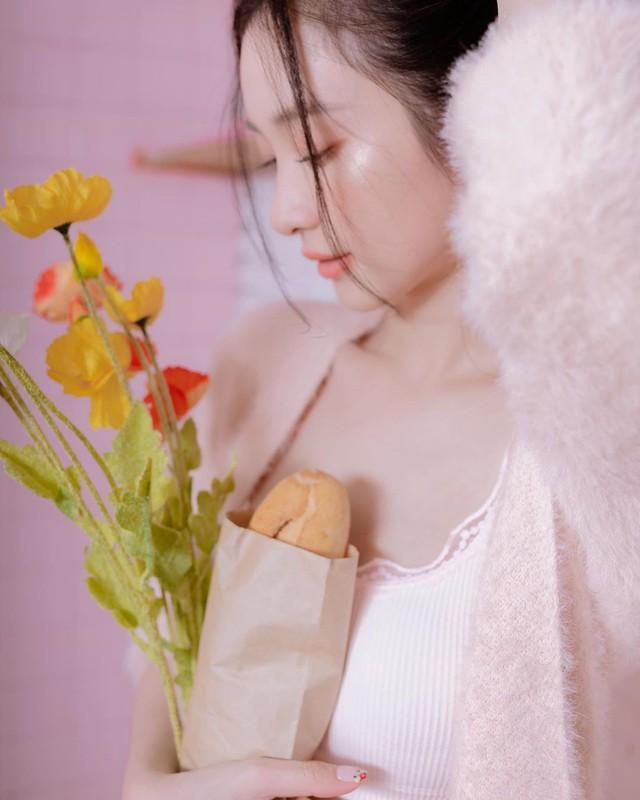 Đăng ảnh diện đồ ngủ mỏng tang gợi cảm, Jun Vũ khiến cộng đồng mạng không khỏi trầm trồ, khen ngợi - Ảnh 4.