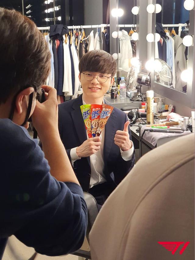"""Kem Lotte công bố doanh thu tháng 5 tăng 15% cùng kỳ, báo chí Hàn tung hô đây là """"hiệu ứng Faker"""" - Ảnh 8."""